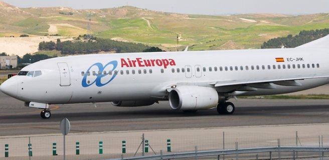Pilotos de Air Europa votan si van a la huelga en pleno verano