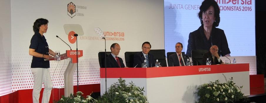 El Santander anuncia despidos y el cierre de 450 oficinas en España