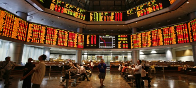 Se reducen las pérdidas en la bolsa de Shanghái tras abrir con caídas del 3%