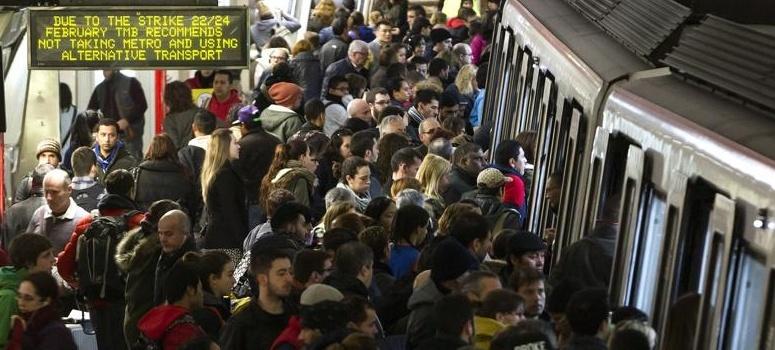 Colau exige servicios mínimos del 50% para la huelga de metro en el Sónar