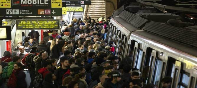 No hay acuerdo y el miércoles Barcelona vivirá otra jornada de huelga en el metro
