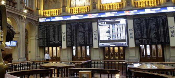 El IBEX 35 cae tras el desplome del crudo y el bloqueo político