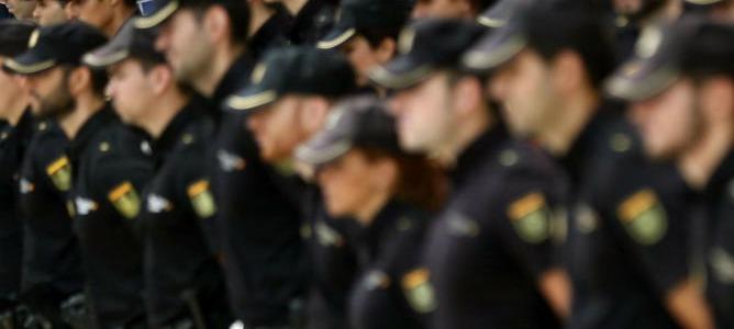 La Policía tiene letra para su nuevo himno