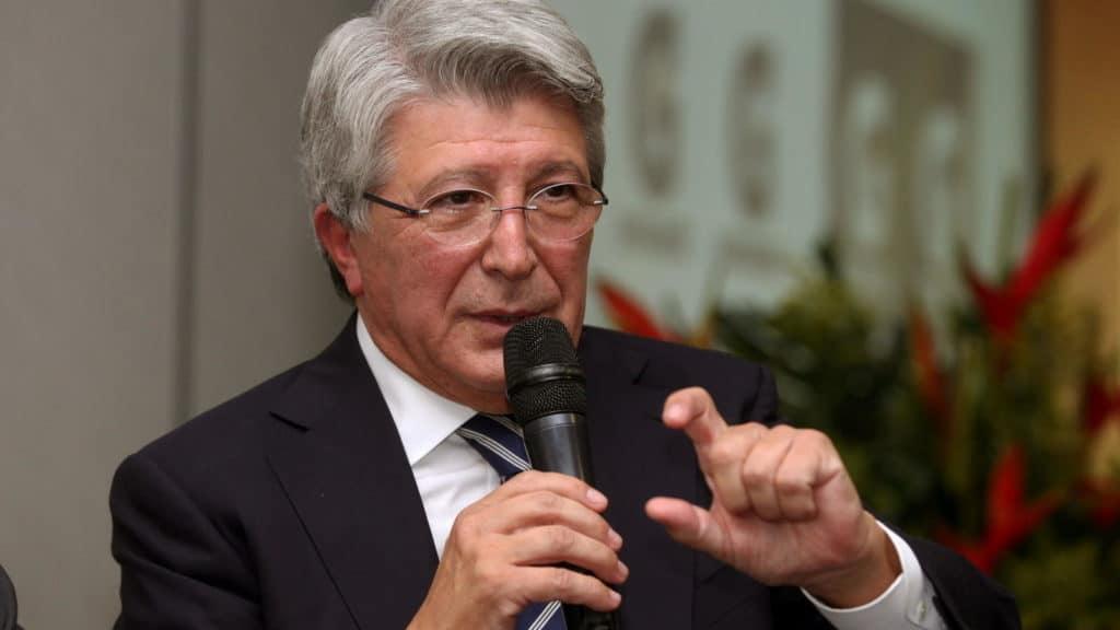Enrique Cerezo: «El césped está precioso, tengo confianza»