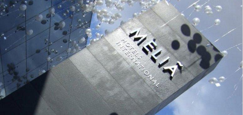 Meliá celebra su vuelta al IBEX 35 con subidas del 1%