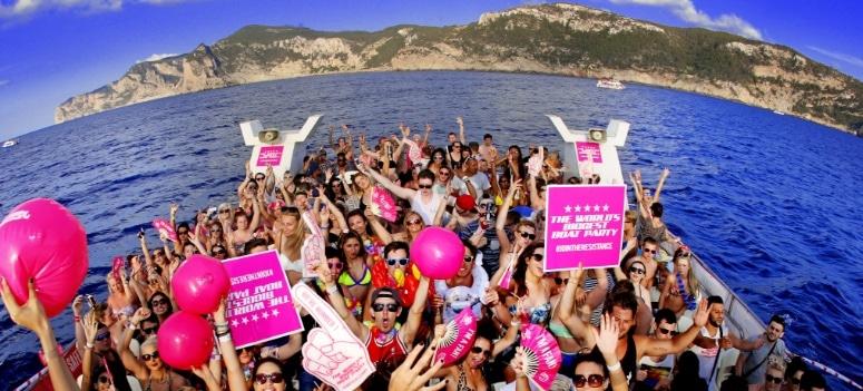 """Baleares prohíbe las """"party-boats"""" en las pitiusas y Formentera"""