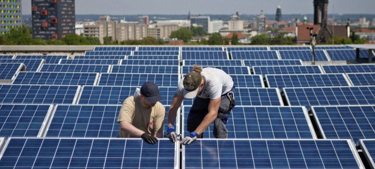 Cerco del Parlamento Europeo al 'impuesto al sol' de España