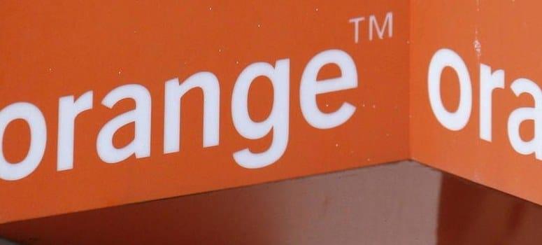 Multa de 300.000 euros a subcontratas de Orange por molestar con productos de Jazztel