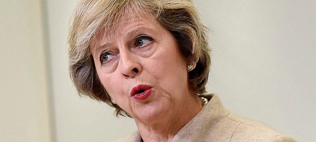 May impone su principal condición a la UE y suaviza el discurso