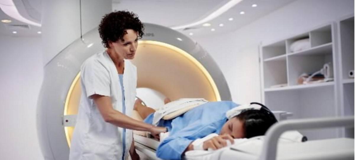 El 70% de los equipos de radioterapia en España se acercan a los 10 años, el fin de su vida útil