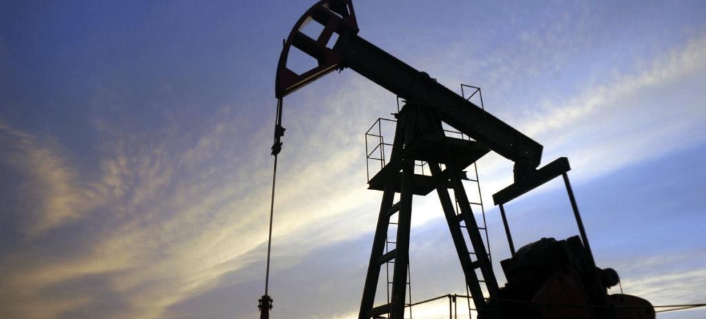 El espacio entre el suelo y el techo del petróleo se estrecha