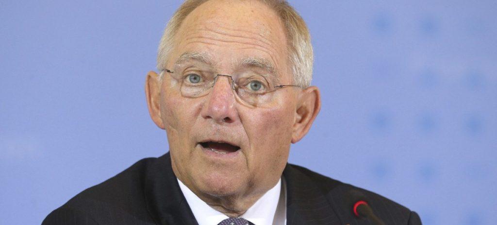 Alemania frena a Juncker: hay que cumplir requisitos para entrar en el euro