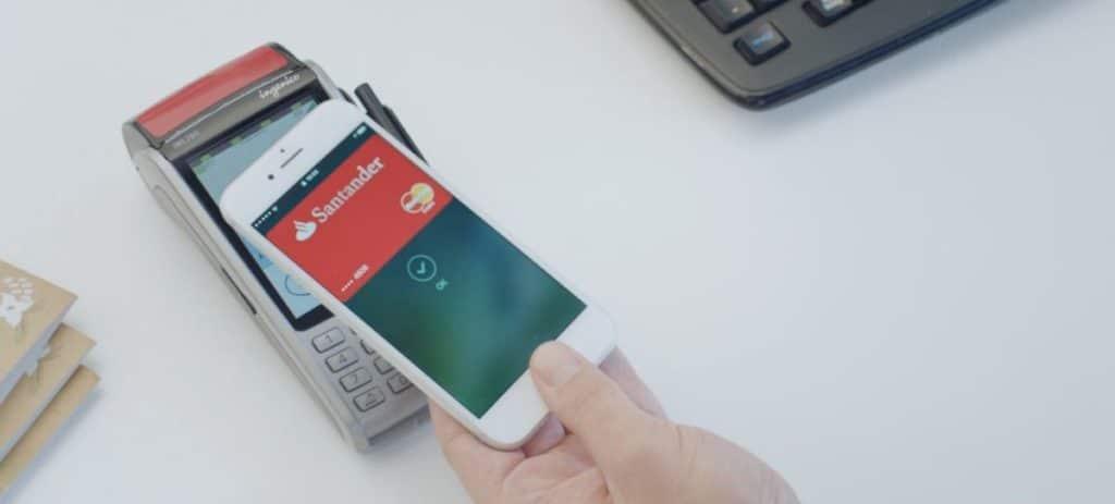 Santander bonifica un 5% las compras de Navidad que se paguen con Apple Pay