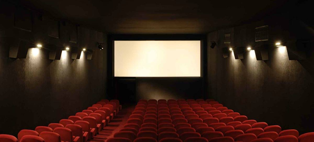 Podemos exige que los refugiados puedan entrar gratis al cine