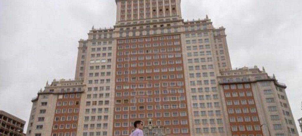 Wanda cierra la venta del Edificio España al Grupo Baraka que se lo vende a Riu