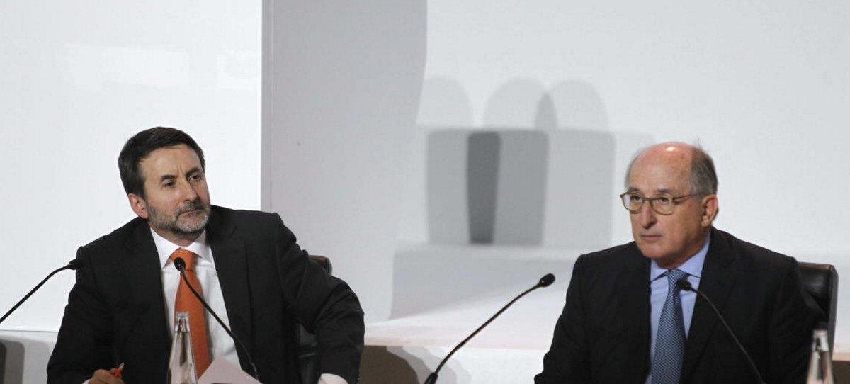 Repsol cae en Bolsa, pese a que anuncia el hallazgo de un megayacimiento de gas