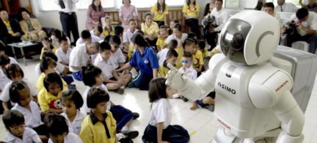 El 45% de los españoles cree que su trabajo podría robotizarse