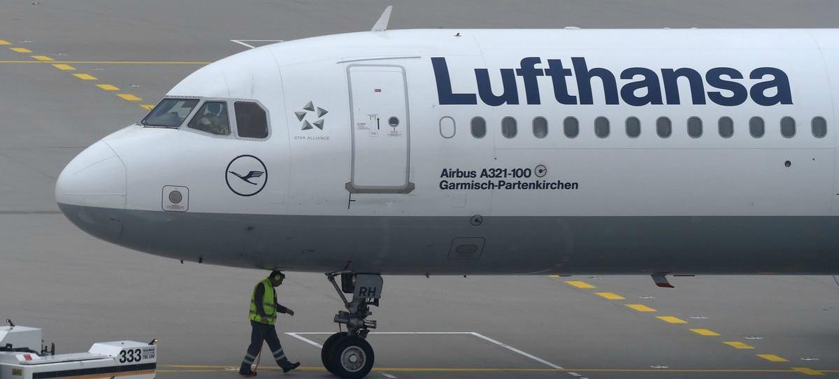 Lufthansa, la favorita para comprar la mitad de la flota de Air Berlin