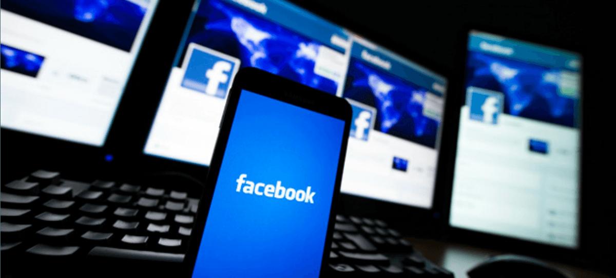 Condenada a pagar 10.000 euros a su hijo si sigue publicando fotos suyas en Facebook