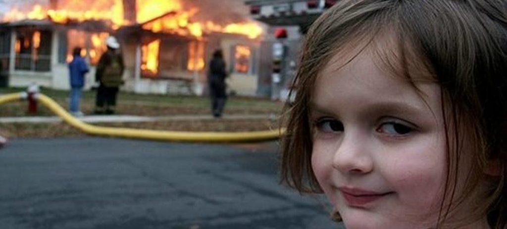 ¿Cómo es actualmente la pequeña del meme 'niña desastre'?