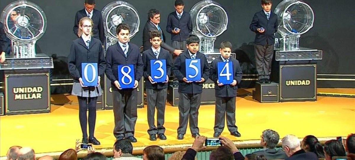 Sorteo del Niño: 08.354 se lleva el primer premio