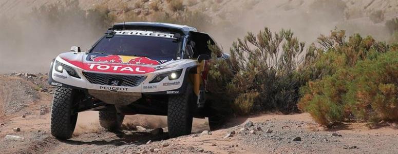 Carlos Sainz abandona el Dakar al volcar en la cuarta etapa