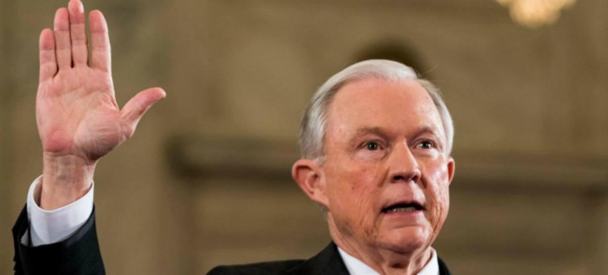 Sessions afirma que Roe v. Wade 'violó la Constitución'