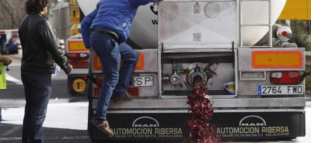 Nuevos ataques violentos de franceses al vino español