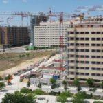 Varios bloques de vivienda de nueva construcción