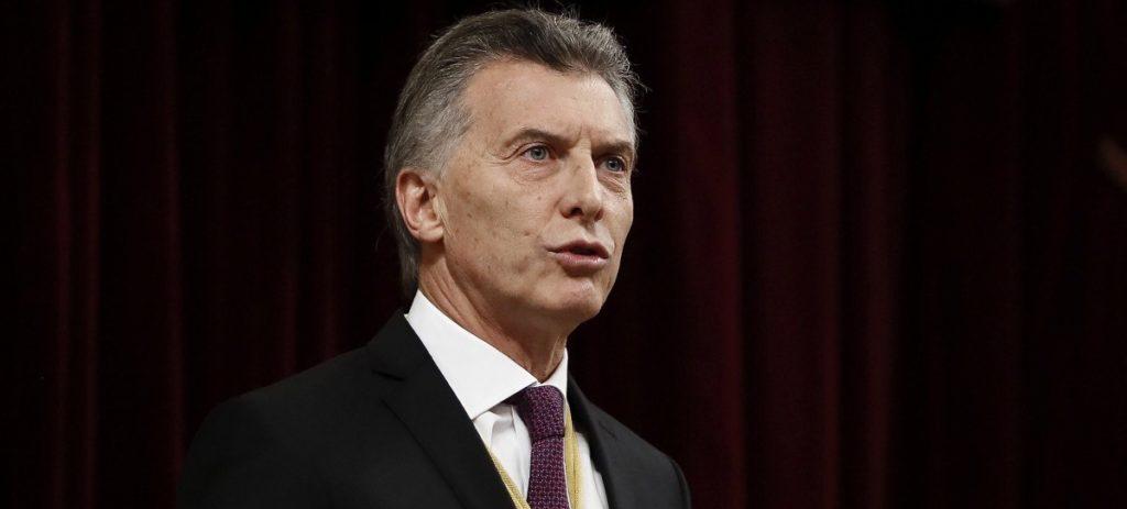 Presión sobre Argentina: coloca 3.000 millones de dólares a tipos del 20%