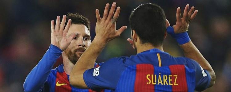 El Barcelona gana al Valencia y aguanta el pulso por La Liga