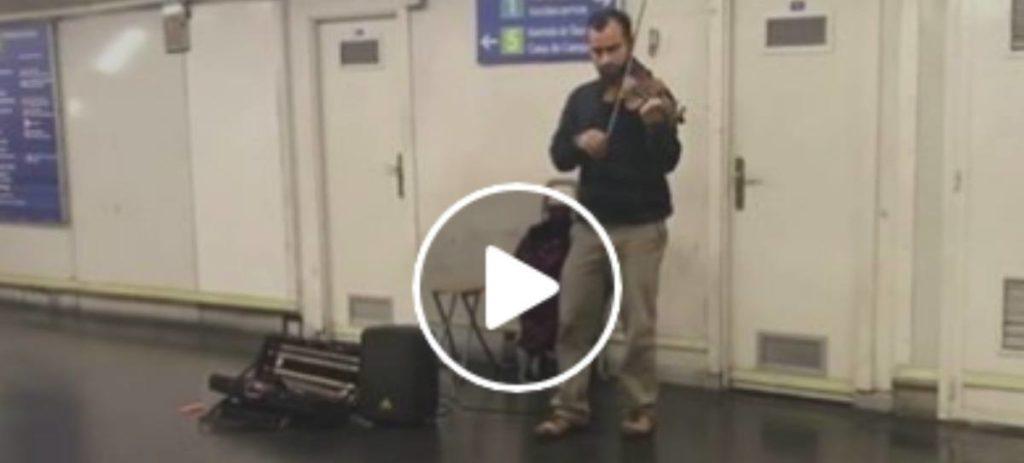 El violinista de Metro Madrid que se atreve con todo