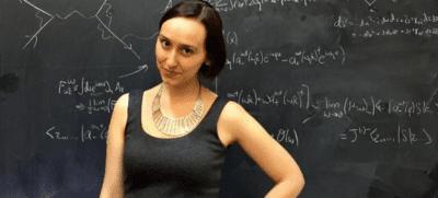 Sabrina González, la nueva Einstein que con 14 años hizo volar un avión