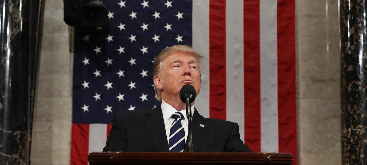 """Trump promete un histórica bajada de impuestos y crear """"millones"""" de empleos"""