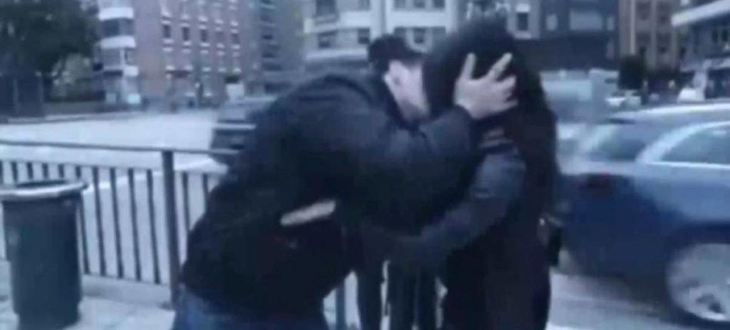 Un youtuber irá a juicio por besar a desconocidas sin su consentimiento