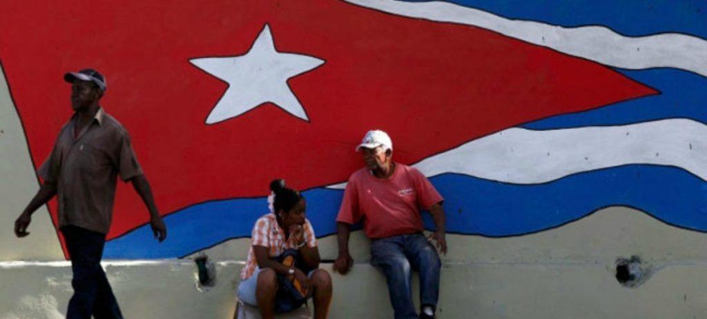 La Cuba comunista pide a sus servicios copiar la iniciativa privada para resolver sus problemas endémicos