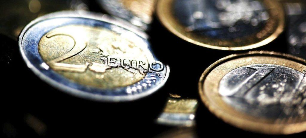 El euro sufre ante la situación política de Italia y España
