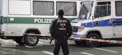 Berlín: Evacúan una calle por un coche sospechoso