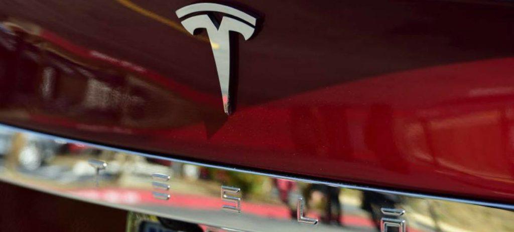 """Musk: """"Tesla cumplirá muy probablemente el objetivo de producción del Model 3"""""""