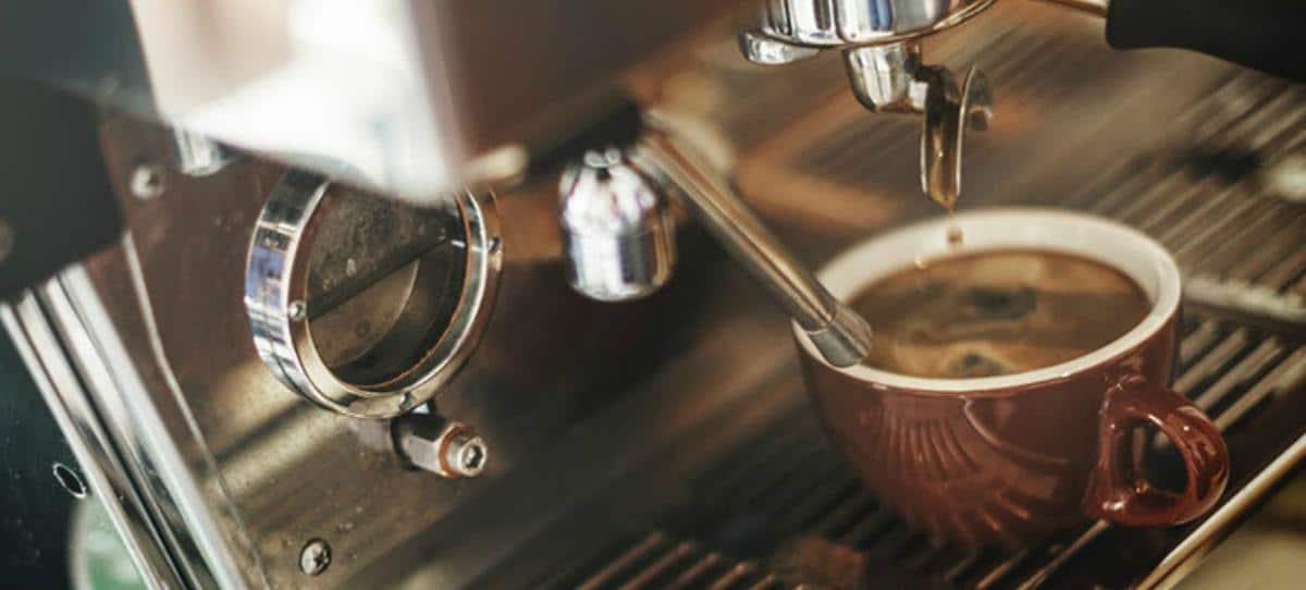 Máquinas de café en casa, enemigos de la salud según un estudio