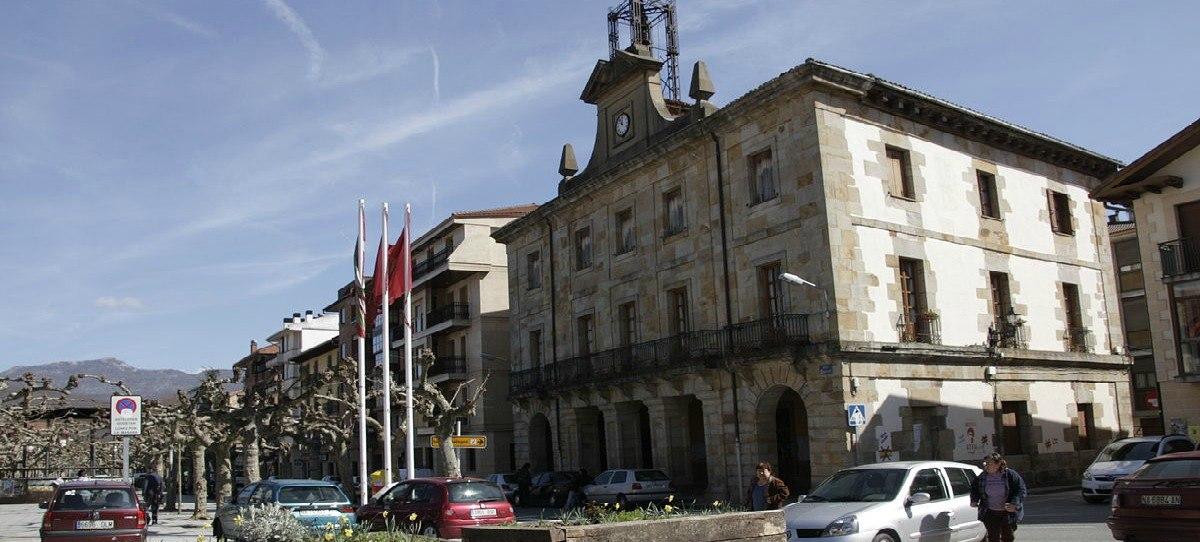 'Tiro al fatxa': Tirar piedras a lo que tenga que ver con España en un pueblo de Navarra