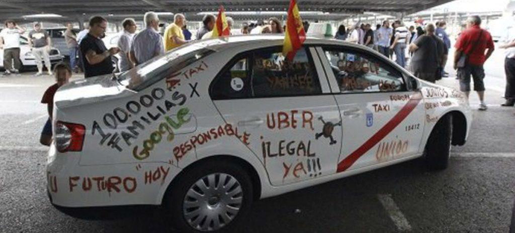 Imágenes: Barcelona, colapsada por la huelga de taxistas
