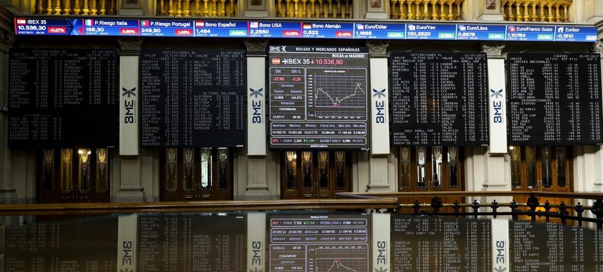 El IBEX 35 cae un 2,14% y pone fin a dos semanas consecutivas de subidas
