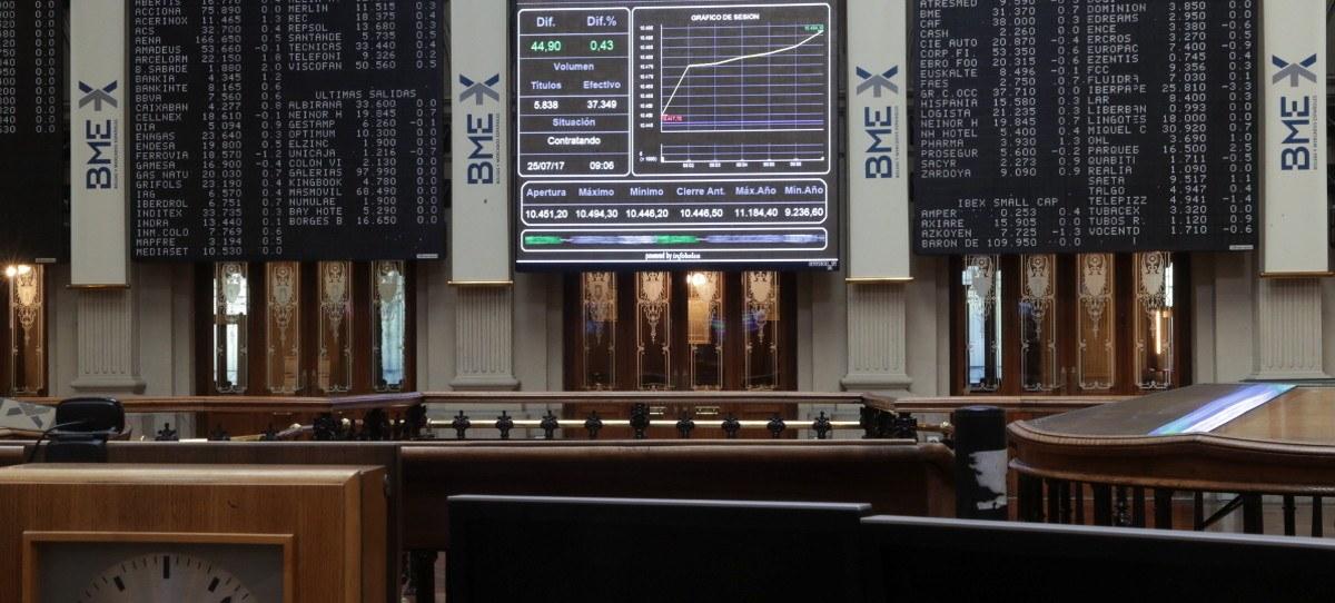 El IBEX 35 acaricia el 10.500 en pleno festivo nacional
