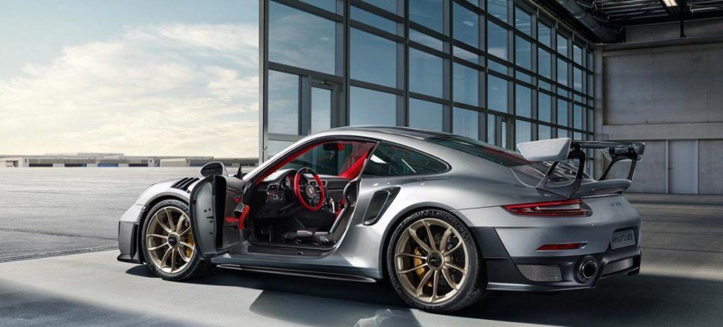 Porsche 911 GT2 RS: 700 cv y 326.934 euros