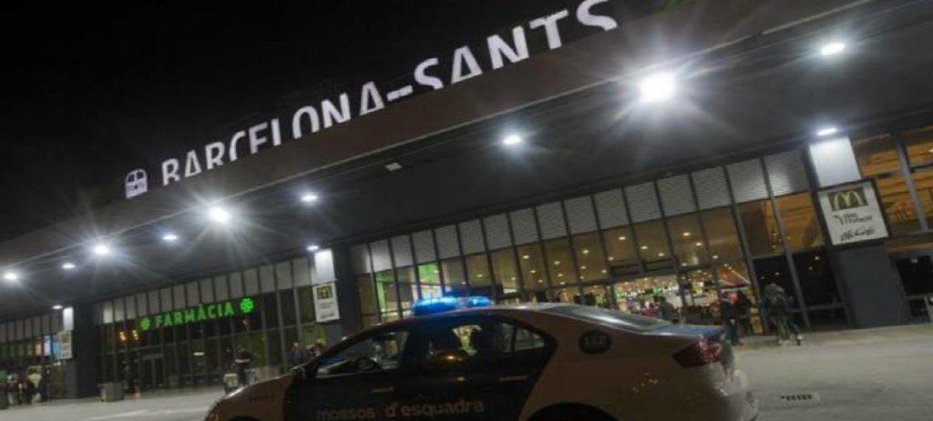 La llegada de turistas cae un 4,7% en Cataluña mientras crece un 1,8% en España