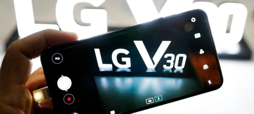 LG sacará al mercado este año un televisor que se enrolla automáticamente