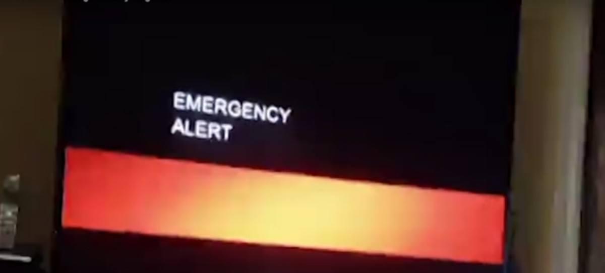 Este anuncio sobre la llegada del fin del mundo interrumpe una emisión televisiva en EE.UU.