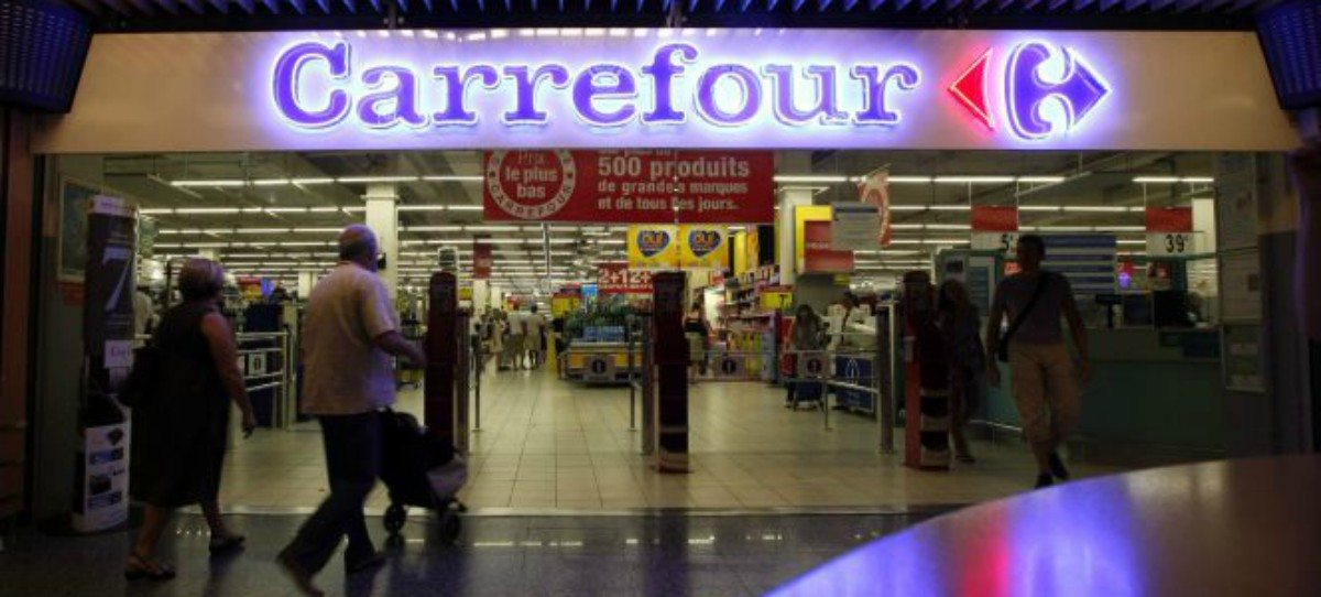 Las organizaciones agrarias y productores se levantan contra Carrefour por la carne de conejo