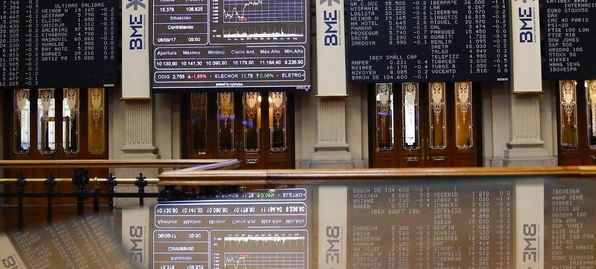 El IBEX 35 apunta al 10.400 empujado por la banca
